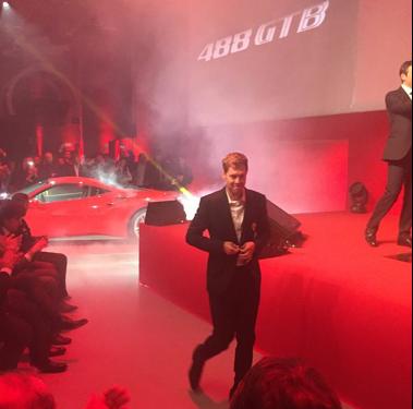 Vettel bei der Präsentation des Ferrari 488