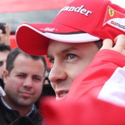 Formel 1: Vettel kann wieder lachen