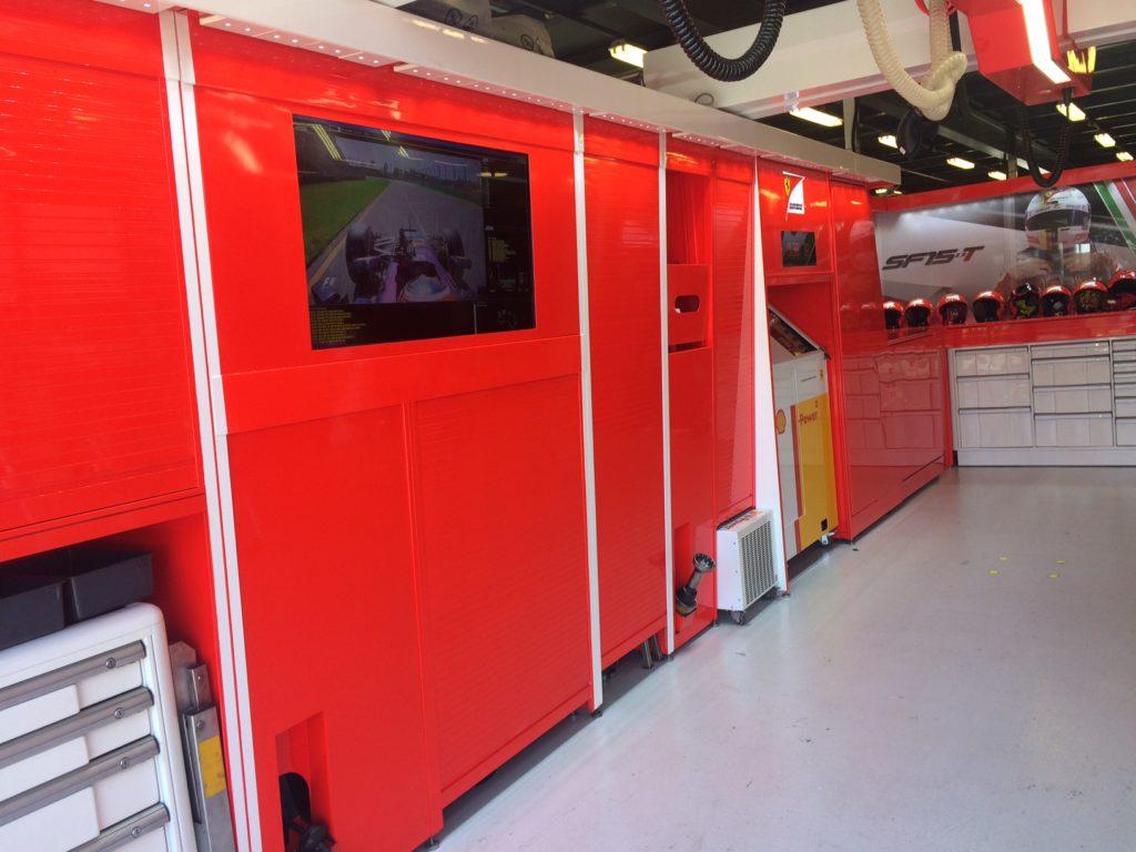 Ferrari-Box kurz vorm Rennstart. Copyright: F1-insider.com