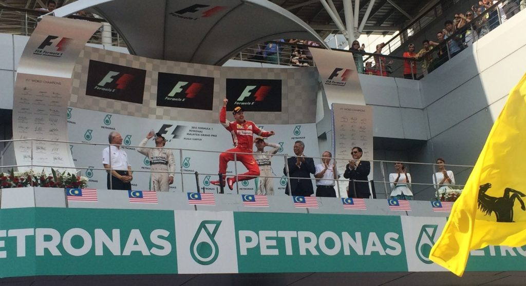 Vettel auf dem Podium in Malaysia. Copyright: F1-insider.com