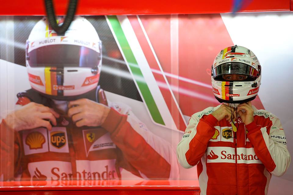 Vettel in der Ferrari-Garage. Copyright: Ferrari