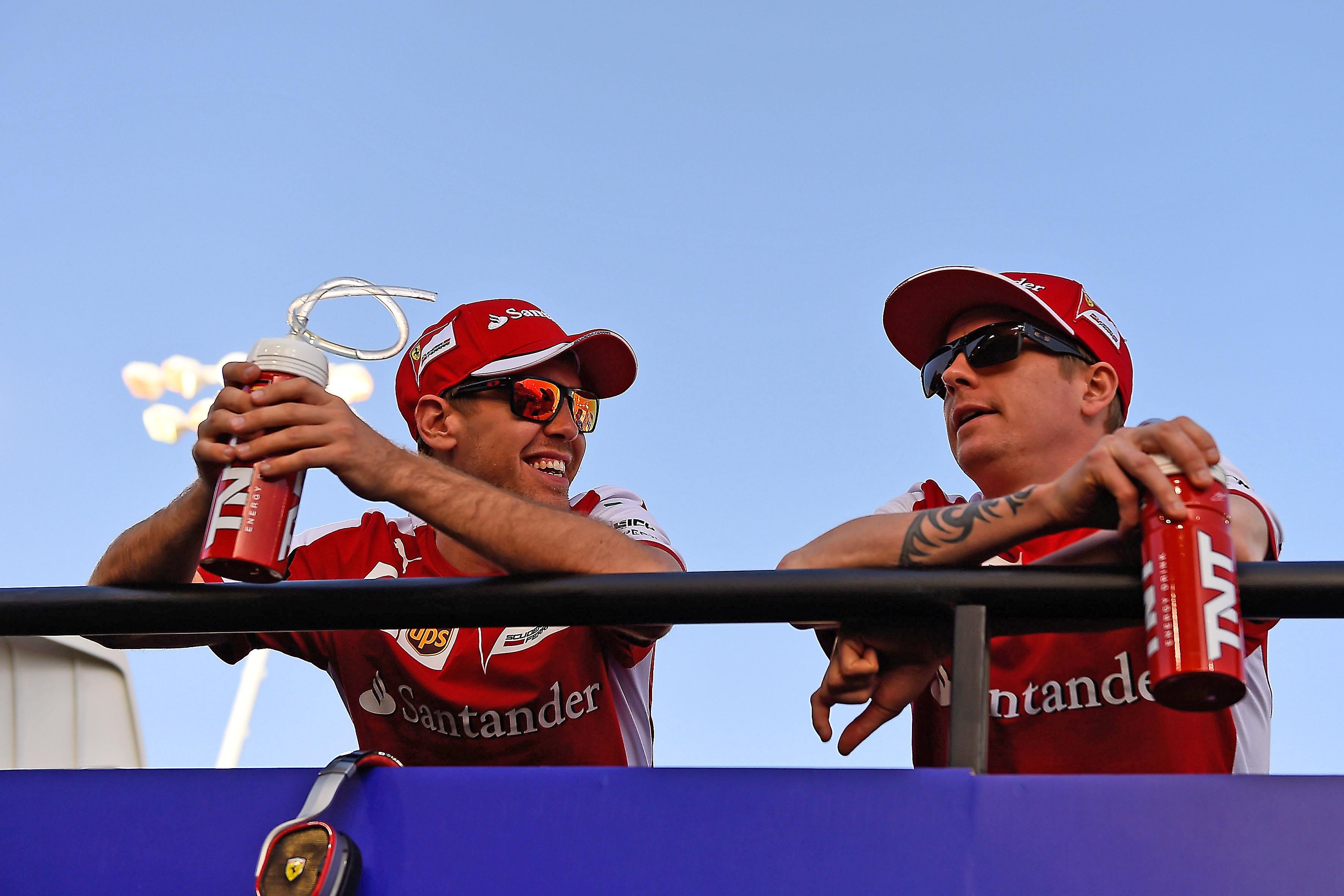 Vettel und Räikkönen in Bahrain. Copyright: Ferrari