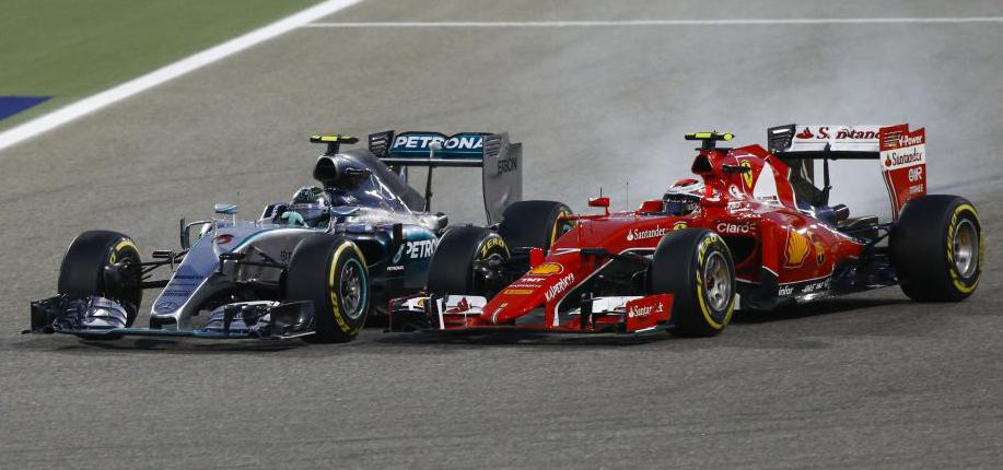 Rosberg überholt Räikkönen. Copyright: Mercedes