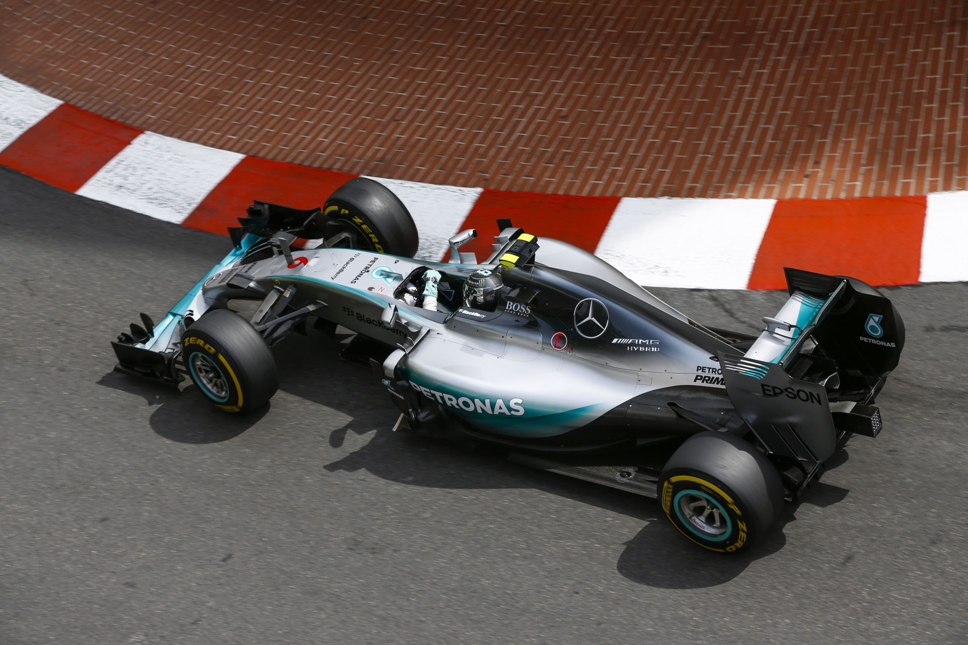 Nico Rosberg siegte in Monaco, weil Mercedes Hamilton unnötigerweise zum Stopp holte. Copyright: Mercedes