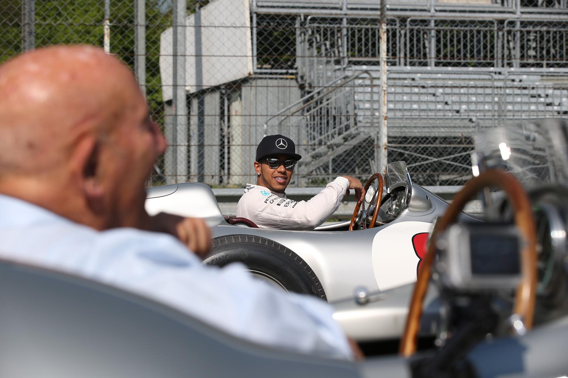 Hamilton und Stirling Moss. Copyright: Mercedes