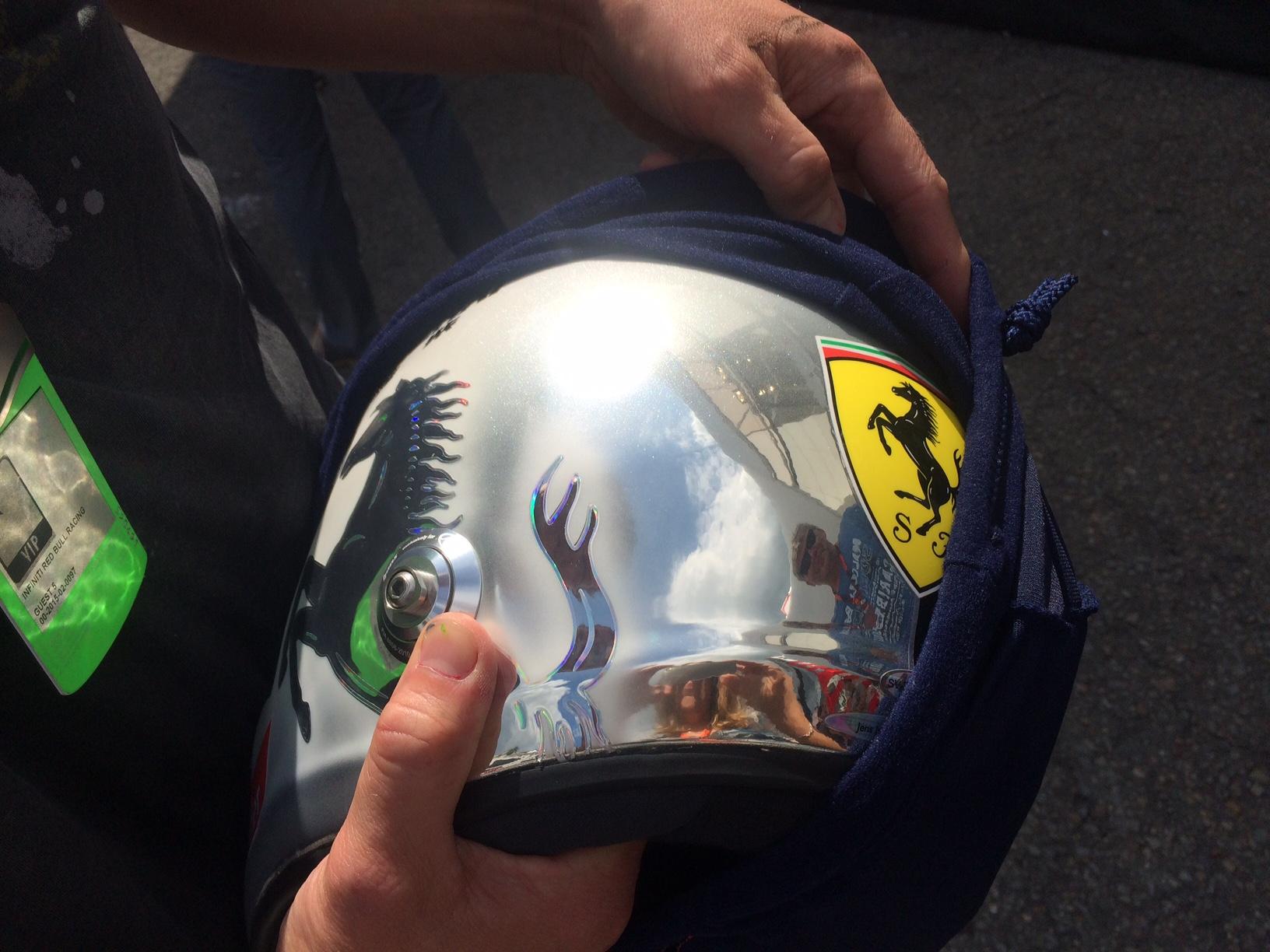 Vettels Helm für Spa. Copyright: F1-insider.com