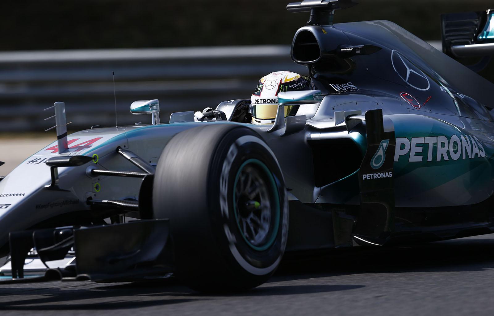 Hamilton in Ungarn. Copyright: Mercedes