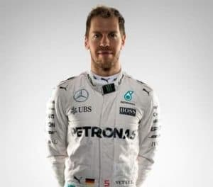 Wechselt Vettel zu Mercedes? (Montage)