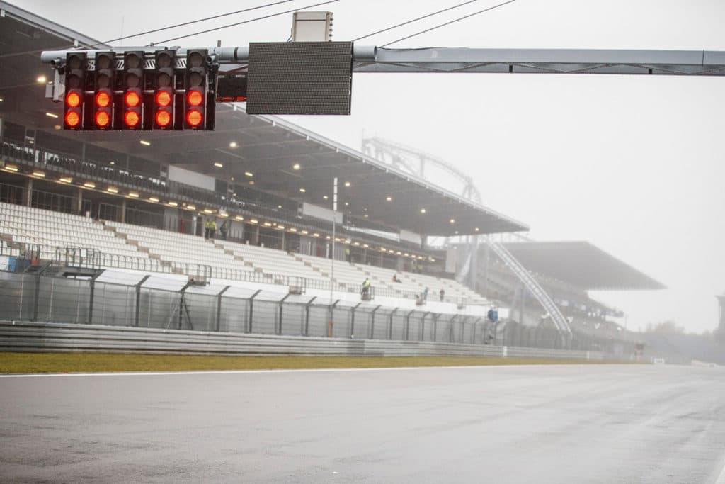 Regen lässt Mick Schumacher-Debüt platzen