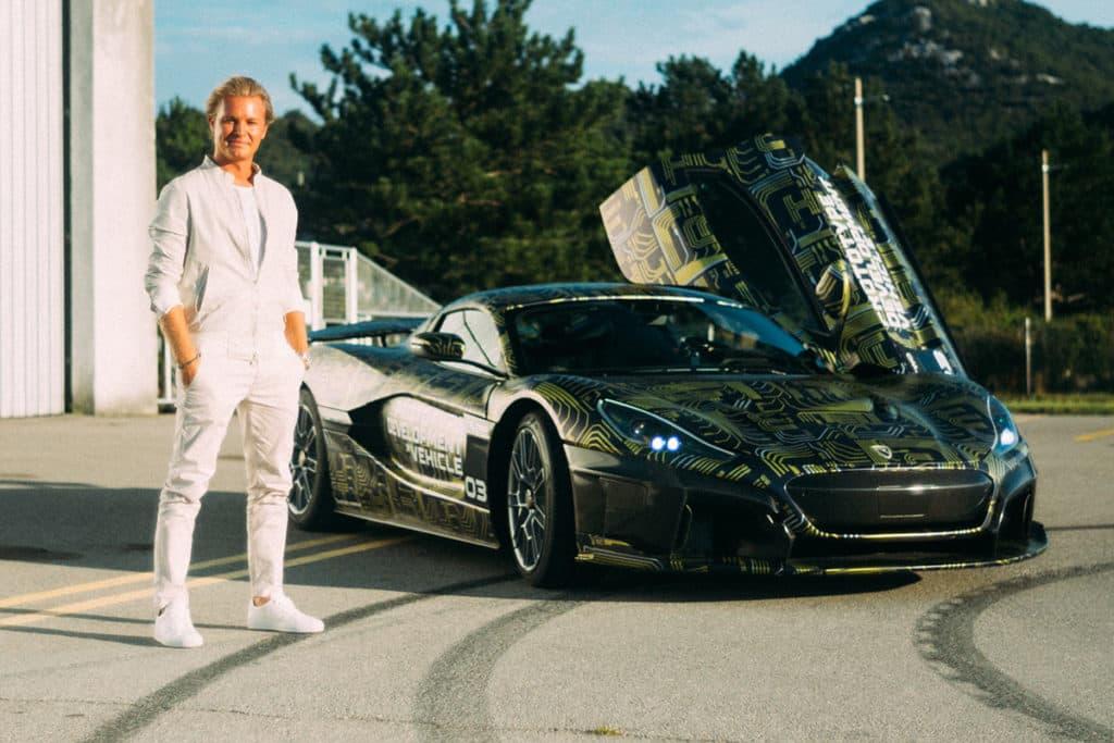 Nico Rosberg und das Elektro-Hypercar Rimac C__Two. Credit: Team Nico Rosberg