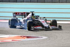 Mick Schumacher im Haas beim Test in Abu Dhabi 2020. Credit: Sutton/LAT/Haas