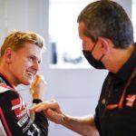 Mick Schumacher und Haas-Teamchef Günther Steiner. Credit: Haas/LAT