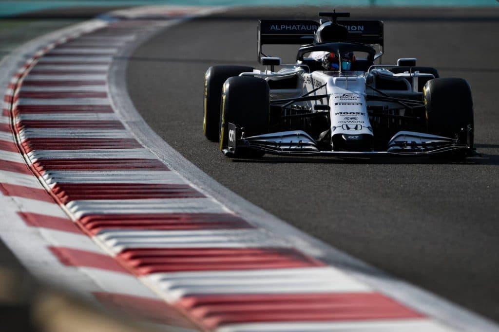 Yuki Tsunoda gibt 2021 sein Formel 1 Debüt; Credit: Twitter/Alpha Tauri