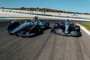 Mercedes Formel 1 und Formel E gemeinsam auf der Strecke. Credit: Mercedes