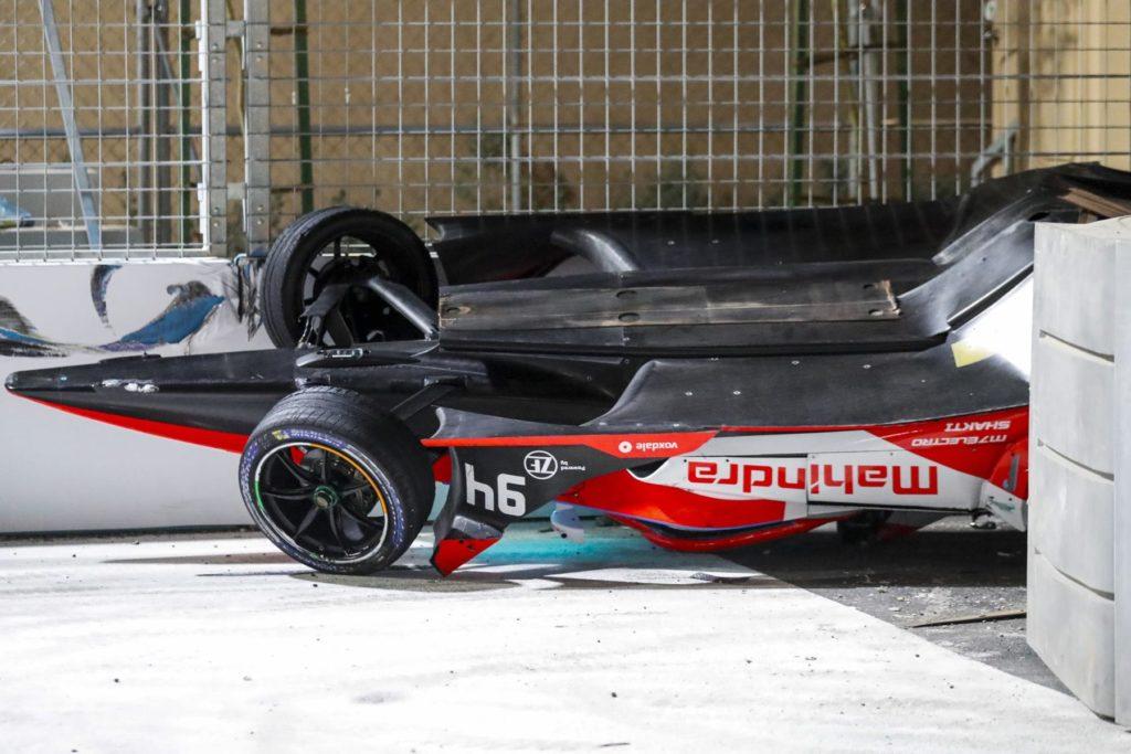 Alex Lynn Mahindra Überschlag. Credit: Formel E