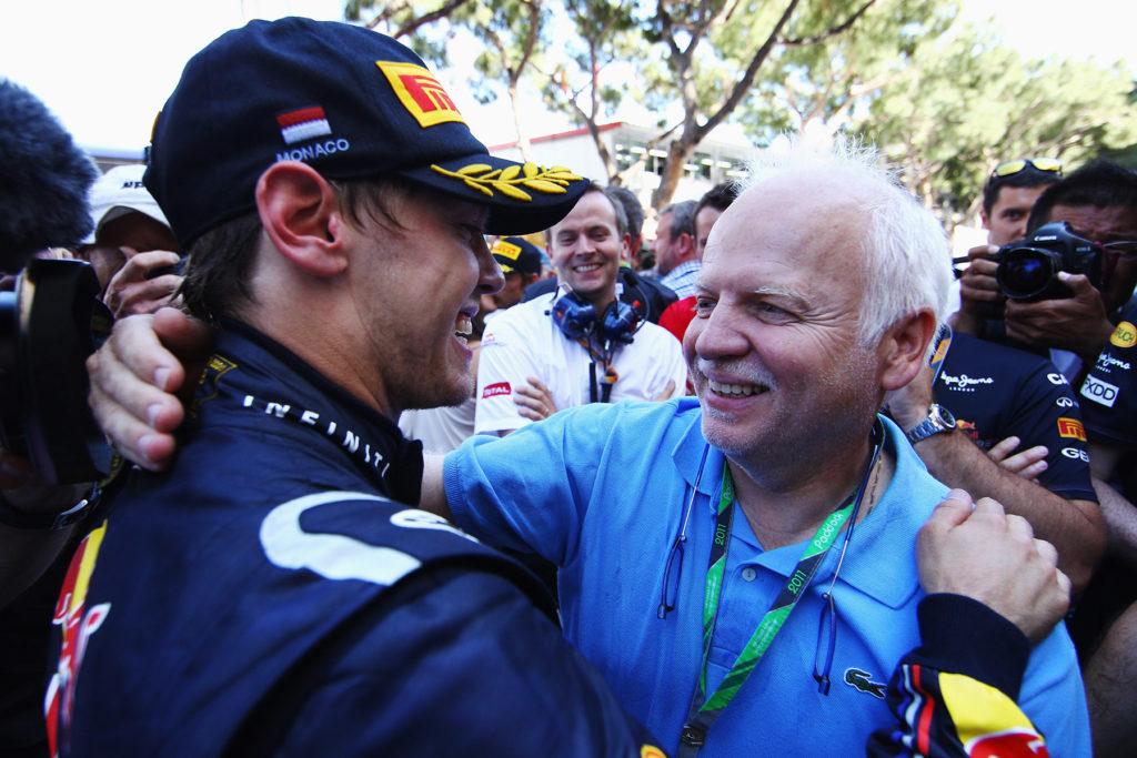 Sebastian Vettel mit seinem Vater Norbert. Credit: Red Bull Content Pool