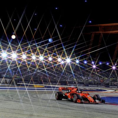 2019 gewinnt Vettel das Formel-1-Rennen in Singapur Credit: Ferrari