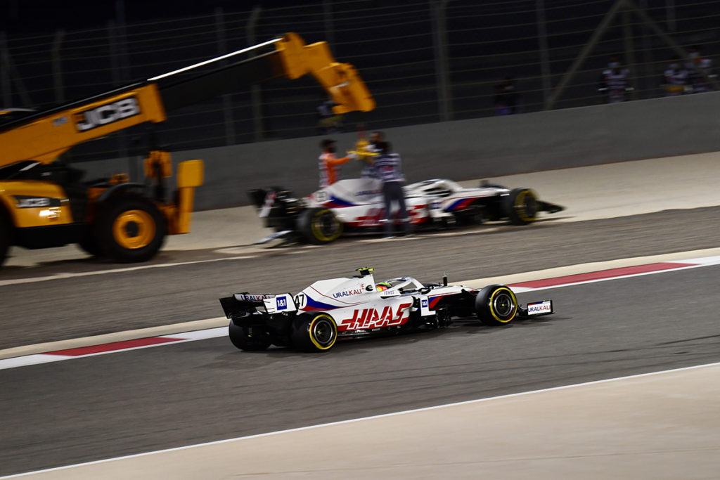 Formel 1 Mick Schumacher Mazepin Crash Bahrain GP 2021