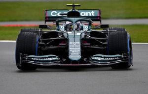 Sebastian Vettel zum ersten mal im Aston Martin AMR21 auf der Strecke. Credit: Aston Martin