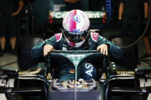 Formel 1 Sebastian Vettel Bahrain GP 2021 FP1