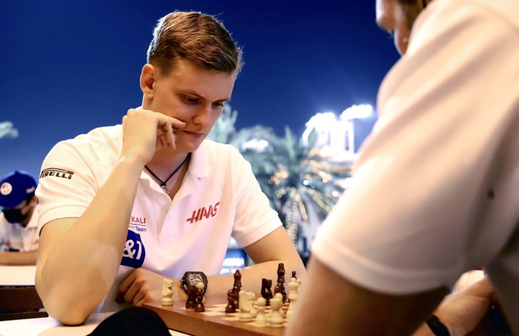 Mick Schumacher Formel 1 Haas Schach Bahrain