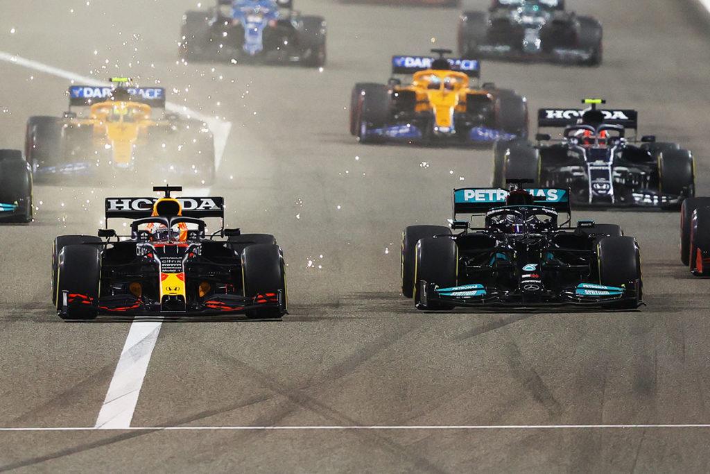 Formel 1 Max Verstappen Lewis Hamilton Bahrain GP Start 2021