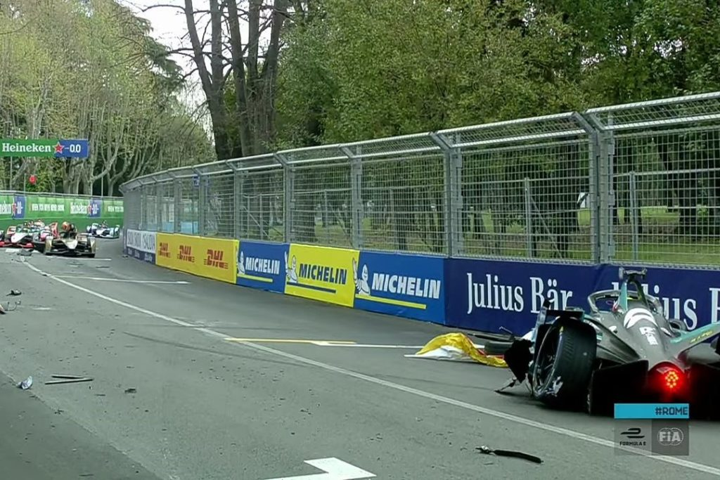 Formel E Crash im ersten Training zum Rom ePrix 2021. Credit: Formel E/Youtube
