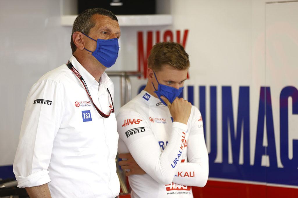 Mick Schumacher und Haas-Teamchef Günther Steiner Formel 1 Monaco 2021