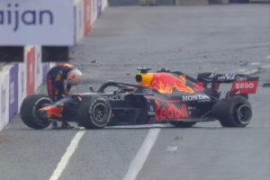 Formel 1 Max Verstappen Red Bull Crash Aserbaidschan GP 2021 3 2