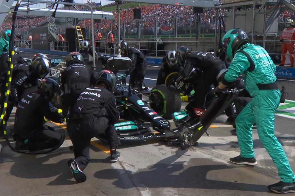 Formel 1 Lewis Hamilton Ungarn GP 2021 Box
