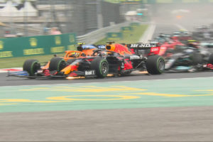 Formel 1 Ungarn GP Start Crash 2021