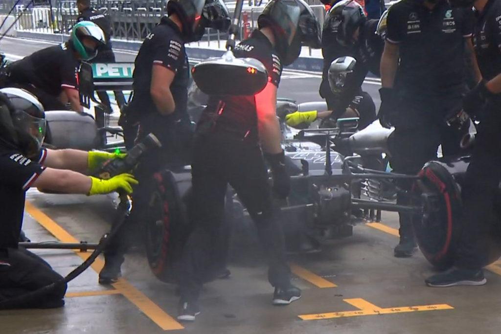 Formel 1 Lewis Hamilton Box Crash Sotschi 2021