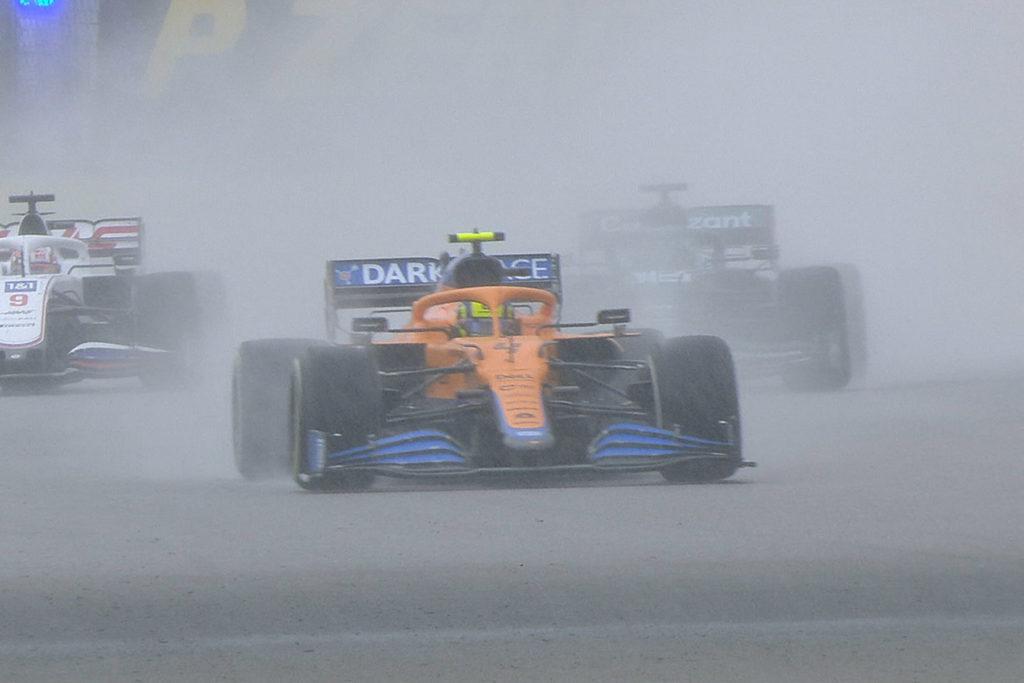 Formel 1 Norris McLaren Regen Russland Sotschi