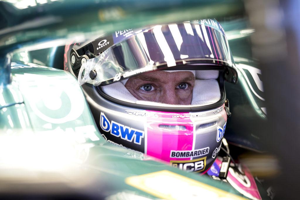 Formel 1 Sebastian Vettel Aston Martin 2021 Cockpit